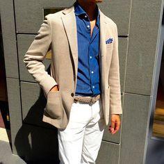 Beige jacket & White denim  ベーシックな色合わせでも、デニムシャツをアクセントにすれば、今年らしさを自然に表現できます。  #beams #beamsf #cantarelli #gta #denim