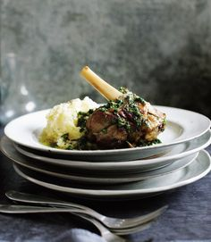 Braised-lamb-shanks with parsley and lemon