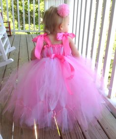 Bubblegum pink tutu and bows.