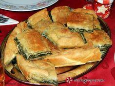 Greek Recipes, Vegan Recipes, Graduation Party Foods, Greek Beauty, Bechamel Sauce, Calzone, Spanakopita, Hot Dog Buns, Apple Pie
