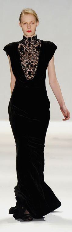 ✪ Tadashi Shoji - Fall 2012 ✪ http://www.stylebistro.com/runway/New+York+Fashion+Week+Fall+2012/Tadashi+Shoji/browse  (More on Dresses)