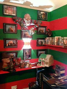 A Nightmare on Elm Street collection. I wish I had the space to dedicate a whole room to the horror villain. I certainly have enough merchandise to do so. Horror Movie Characters, Horror Movies, Funny Horror, Arte Horror, Horror Art, Horror Drawing, Freddy Krueger, Chucky, Films Quotes