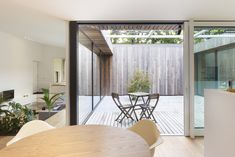 A Belgian Architect's Courtyard House Offers Work/Life Balance - Photo 2 of 13 - The courtyard allows light to penetrate deep into the room. Front Yard Fence, Farm Fence, Fenced In Yard, Horse Fence, Dog Fence, Fence Landscaping, Backyard Fences, Fence Garden, Fence Art