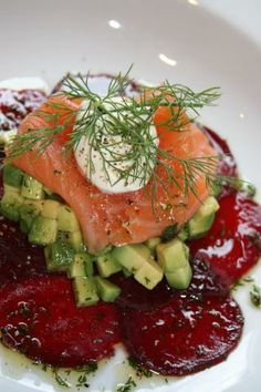 Jamie's Bloggers / Beetroot Carpaccio w.Salmon & Avocado., Creme fresh and sweet dill vinegarette