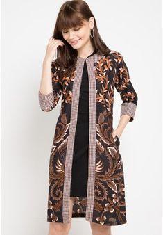 Outer Kp Saziva Sgn Pb from Batik Putra Bengawan in Model Dress Batik, Batik Dress, Blouse Batik Modern, Dress Batik Kombinasi, Outer Batik, Batik Blazer, Batik Fashion, Fashion Dresses, Floral