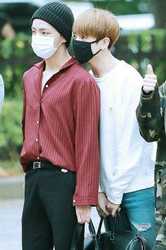 Jeon Jungkook and Kim Taehyung are step brothers. Taehyung tells Jungkook to do everything for him. Bts Taehyung, Kim Namjoon, Bts Bangtan Boy, Jimin Jungkook, Namjin, Taekook, Yoonmin, Rap Monster, Foto Bts