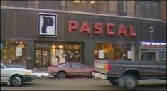 I spent hours here, a really cool hardware store. Old Montreal, Montreal Quebec, Montreal Canada, Sweet Memories, Childhood Memories, Old Photos, Vintage Photos, Ontario, Entertainment Sites