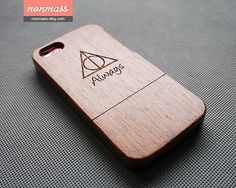 Wood iPhone 5C case - Harry Potter iPhone 5C case - Deathly hallows iPhone 5C Case - Wooden iPhone 5C case - Sapele - 130009 on Etsy, € 18,97