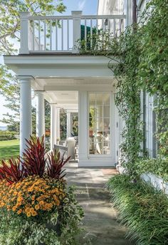 Colonial House Exteriors, Dutch Colonial Homes, Dream House Exterior, Colonial Style House, Dutch Colonial Exterior, Colonial Mansion, Modern Colonial, Colonial Architecture, British Colonial