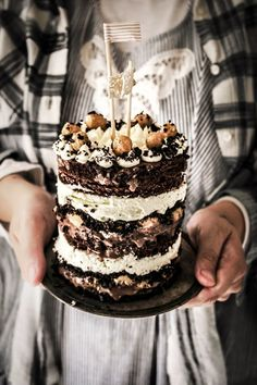 Twigg studios: momofuku inspired cookie dough chocolate cake (cookie dough qnd cheesecake and chocolate ganache and oreo crumbs) Beaux Desserts, Just Desserts, Delicious Desserts, Yummy Food, Cupcakes, Cupcake Cakes, Sweet Recipes, Cake Recipes, Dessert Recipes