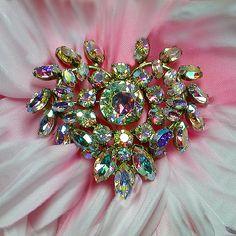 Romantic aurora borealis heart brooch. Signed SHERMAN - Vintage Costume Jewelry