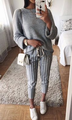 Trendy And Simple Outfits For Spring 2019 Mode Outfits, Fashion Outfits, Fashion Trends, Simple Outfits, Casual Outfits, Mode Inspiration, Mode Style, Look Fashion, Stylish Clothes