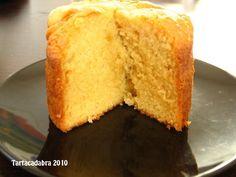 Bizcocho de vainilla con Buttermilk   Esta es mi bizcocho de vainilla favorito, tiene un sabor más que delicioso, es esponjoso y superjugoso...