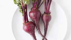 These sweet, earthy root veggies are packed with surprising health benefits. Beets Health Benefits, Beetroot Benefits, Nutrition Tips, Health And Nutrition, Health Care, Root Veggies, Vegetables, High Protein Smoothies, Healthy Eating Tips