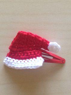 Santa Claus is coming to town! Hand #crochet hair clip