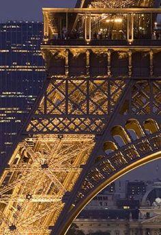 The Eiffel Tower, Paris, France Tour Eiffel, Torre Eiffel Paris, Paris Eiffel Tower, Beautiful Paris, Most Beautiful Cities, Beautiful Buildings, Paris Tour, Paris City, Paris Paris