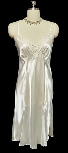 BEAUTIFUL INTIMO AMORE BRIDAL TROUSSEAU GLEAMING SATIN BIAS NIGHTGOWN ENCRUSTED WITH PEARLS & SEQUINS