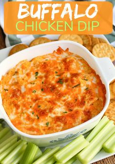 This is the best Buffalo Chicken Dip (with VIDEO) is an easy 5 ingredient recipe for your next party. Creamy, cheesy and tastes like buffalo chicken wings dipped in ranch dressing. Buffalo Chicken Wraps, Skinny Buffalo Chicken Dip, Buffalo Chicken Dip Recipe, Chicken Dips, Canned Chicken, Chicken Recipes, Buffalo Dip, Dip Recipes, Cooking Recipes