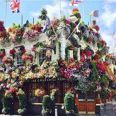 "711 Likes, 47 Comments - r u e   l u l u (@ruelulu) on Instagram: ""This is Londons prettiest pub. The Churchill Arms.. Have a lovely day! #london #churchillarms…"""