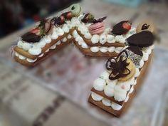 Prepara esta tarta en 1 hora. Es una pasada. #thermomixrezepte #thermomix #tarta #tartadeletras #postres #dulces #cocinacasera #cocina #galletas Crazy Cakes, Love Craft, Catering, Food And Drink, Cupcakes, Candy, Cookies, Baking, Sweet