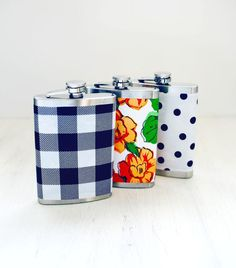 These easy-peasy oilcloth-wrapped flasks would make adorable (and affordable) wedding-party gifts, don't you think? #DIY