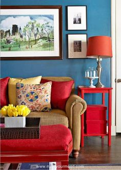 The best color combinations for your living room is one that fits the atmosphere you want to create. Find a fresh look with these living room color schemes. Living Room Red, Living Room Color Schemes, Blue Color Schemes, Living Room Colors, Living Room Paint, Living Room Designs, Cozy Living, Living Area, Cottage Living