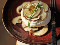 Tomino con porcini al miele : Scopri come preparare questa deliziosa ricetta. Facile, gustosa e adatta ad ogni occasione. Questo secondo ha un tempo di preparazione di 30 minuti.
