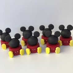 Dipped Oreos, Chocolate Covered Oreos, Chocolate Covered Strawberries, Mickey Mouse And Friends, Mickey Minnie Mouse, Pastel Mickey, Bolo Mickey, Mickey 1st Birthdays, Soap Recipes