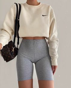 ideas outfit Fashion Inspiration And Trend Outfits For Casual Look Mode Outfits, Short Outfits, Trendy Outfits, Fashion Outfits, Nike Fashion, Short Dresses, Fashion Tips, Mein Style, Mode Streetwear