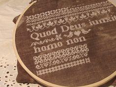 Quod Deus iunxit homo non separet cross stitch Cross Stitch, Monogram, Michael Kors, Blog, Pattern, Punto De Cruz, Seed Stitch, Patterns, Cross Stitches