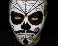 teschi messicani, una proposta di makeup per halloween adatta ad un uomo