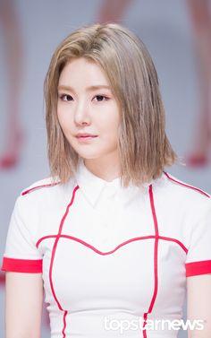 [HD포토] 브레이브걸스 (Brave Girls) 유나 금발머리의 간호사 #topstarnews