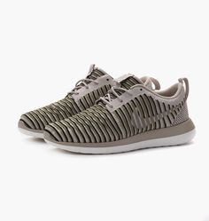 caliroots.com Wmns Roshe Two Flyknit Nike 844929-200  258019