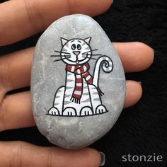 Steine bemalen: Anleitung mit Video - kulaso The Effective Pictures We Offer You About stone necklace A quality picture can tell you many things. Pebble Painting, Pebble Art, Stone Painting, Stone Crafts, Rock Crafts, Stone Drawing, Christmas Rock, Rock And Pebbles, Rock Painting Designs