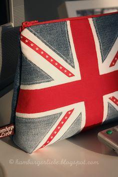 Hamburger Liebe: The Royal Lieselotte//union jack zipper pouch