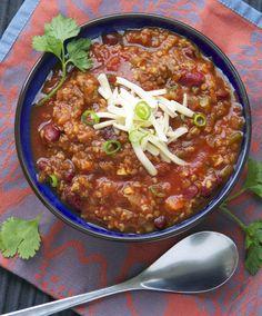 my favorite vegetarian chili recipe - from Panning The Globe