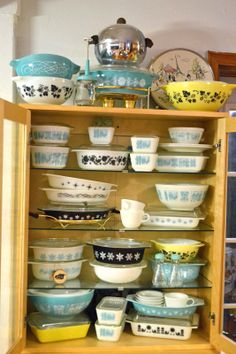 Pyrex Obsessed - black, aqua and yellow