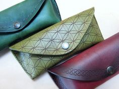 Leather Glasses Cases : 14 Steps (with Pictures) - Instructables Diy Leather Glasses Case, Camera Bag Purse, Wooden Purse, Leather Pieces, Leather Projects, Small Leather Goods, Custom Leather, Leather Accessories, Leather Working