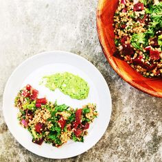 Kale and beetroot salad with grains // Salade de betteraves aux grains anciens