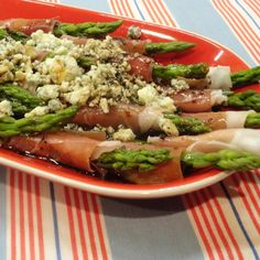 Wrapped Asparagus - prosciutto & blue cheese with flavorful marinade Vegetable Appetizers, Meat Appetizers, Veggie Dishes, Appetizer Recipes, Side Dish Recipes, Vegetable Recipes, Cooking Recipes, Healthy Recipes, Healthy Eats