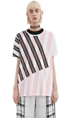 Acne Studios Vista w stripe black/pink stripe Striped boyfriend fit t-shirt Fashion Details, Fashion Design, Style Casual, Stripe Print, Stripe Pattern, Mixing Prints, Striped Knit, Minimal Fashion, Textiles