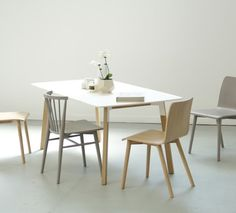 Silo Table & Requin and Tami Chairs