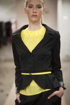 Black blazer with folded lapel. Folded details on back and front side. Jacket has black lining. Size Back lenght New Details, Photoshoot, Blazer, Long Sleeve, Sleeves, Model, Jackets, Stuff To Buy, Fashion Design