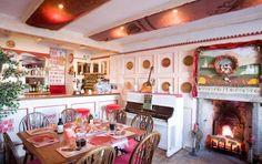 The Russian Tavern, Isle of Bute, Scotland Isle Of Bute, Russian Recipes, Scotland, Table Settings, Eat, Home Decor, Decoration Home, Room Decor, Table Top Decorations