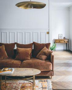 Living Room Interior, Home Interior Design, Living Room Decor, Living Room 70s, Vintage Modern Living Room, Interior Styling, Paris Apartment Decor, Amsterdam Apartment, Apartment Layout
