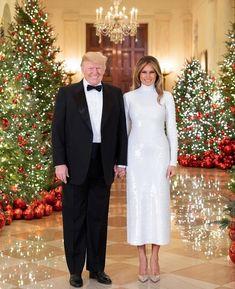 Trump Christmas, Donald And Melania, Trump Is My President, Greatest Presidents, First Lady Melania Trump, Bridesmaid Dresses, Wedding Dresses, Beautiful Family, Donald Trump