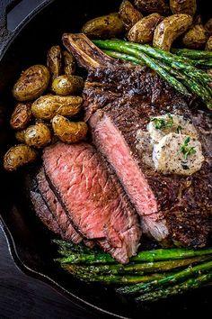 Pepper-Crusted Cowboy Cut bone-in Rib Eye with Shiitake Mushroom Butter Cowboy Ribeye Steak Recipe, Cowboy Steak, Grilled Ribeye Steak Recipes, Beef Ribeye Roast, Tomahawk Steak Recipe, Beef Steak, Tomahawk Ribeye, Prime Steak, Rib Eye Steak