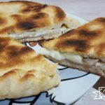 FOCACCIA IN PADELLA SENZA LIEVITAZIONE Calzone, Paella, Cooking Time, Pancakes, Food And Drink, Panini, Lunch, Breakfast, Ethnic Recipes