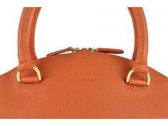 Orange handbag Lisboa by Peter Kent.    #peterkentlisboa #fashion #summerstyle #handbag #orangebag #handbagorange