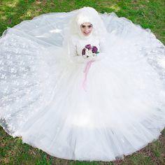 muslimweddingideasCongratulations to the lovely sister @umranbicerr ♥♥♥ Best wishes to you and your partner! Beautiful photo by @pembeduslerfotografcisi2 ♥♥♥